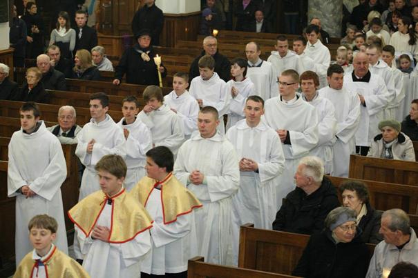 sluzba-liturgiczna-oltarza-1